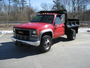 2001 GMC Sierra C3500 HD Dump Truck (Sierra Classic)